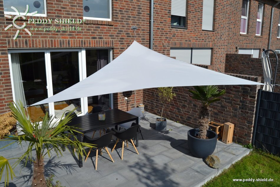galerie photos voile d 39 ombrage triangulaire 3 60 m. Black Bedroom Furniture Sets. Home Design Ideas